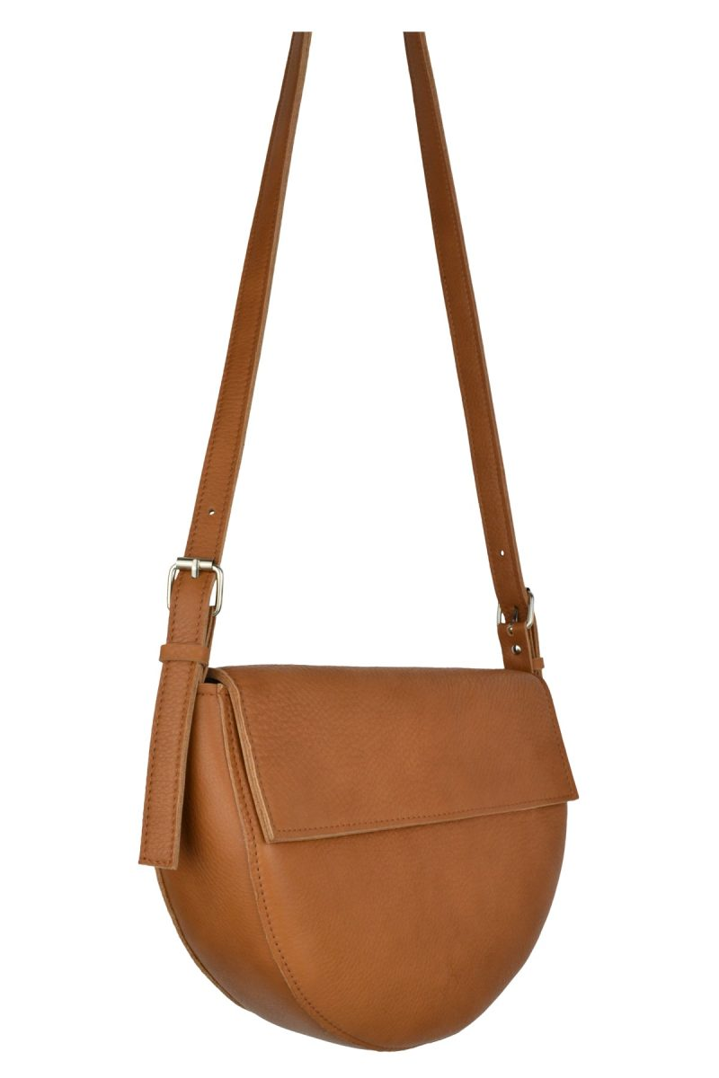 handmade leather shoulder bag bodil cognac side