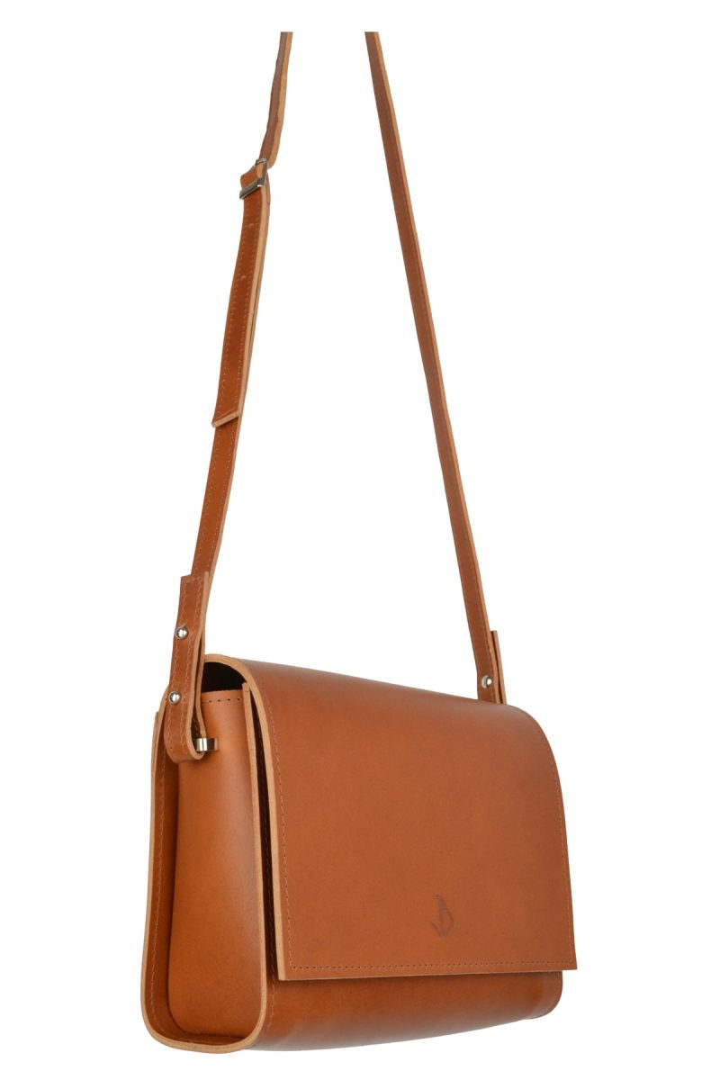 minimalist leather shoulderbag inez rust side